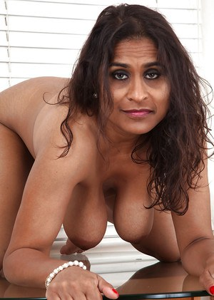 Free Indian Mature Sex Pics